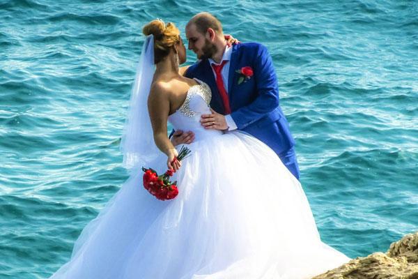 CP牵手每克拉美钻石打造婚礼行业合作传奇